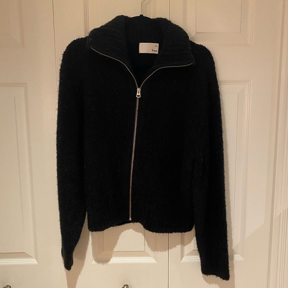 Aritzia Wilfred Marilyn Sweater